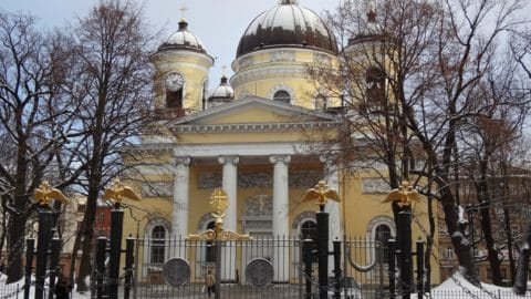 The diversity of the Orthodox churches of St. Petersburg's historical center