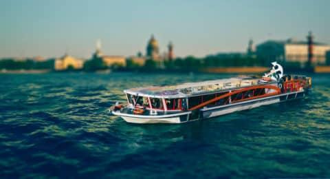 Recorrido por los ríos y canales de San Petersburgo