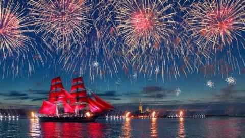 """vacanza """"Alye Parusa"""" on-ponte della nave"""